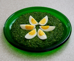 creamy spinach with egg